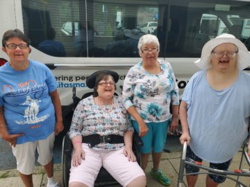 Albion St ladies visit the Beach Boys